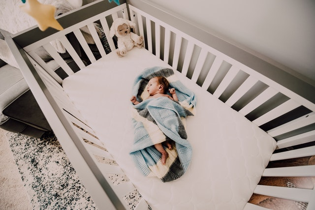 how to get baby to sleep in crib after co sleeping, how to transition baby to crib after co sleeping,how to get baby to sleep in crib without crying it out